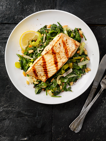 Pine Nut「Grilled Halibut with Spinach, leeks and Pine Nuts」:スマホ壁紙(2)