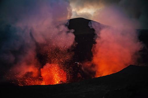 Smoke - Physical Structure「Erupting Mount Yasur Volcano Tanna Island Vanuatu Lava Crater」:スマホ壁紙(14)