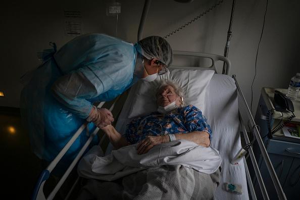 France「Coronavirus Takes High Toll In Grand Est Region, Epicenter Of Country's Outbreak」:写真・画像(17)[壁紙.com]