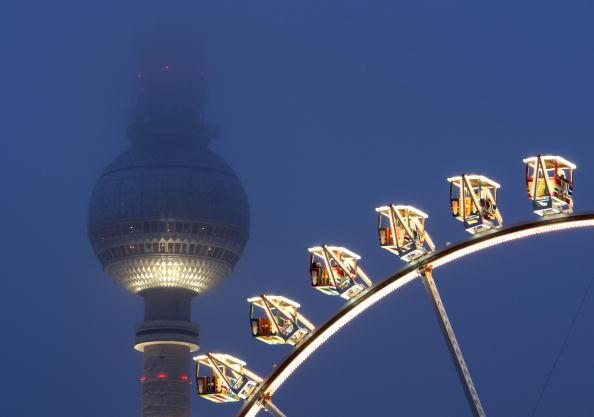 Amusement Park Ride「Christmas Markets Open In Germany」:写真・画像(11)[壁紙.com]