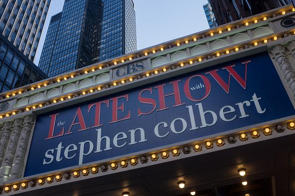 Outdoors「Colbert's Name In Lights」:写真・画像(3)[壁紙.com]