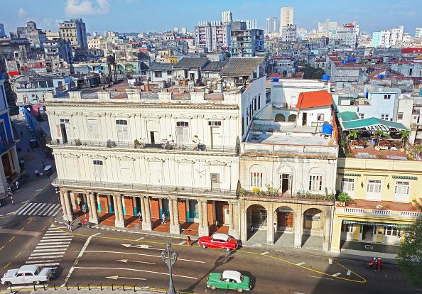 Urban Skyline「Street in Old Havana」:写真・画像(4)[壁紙.com]