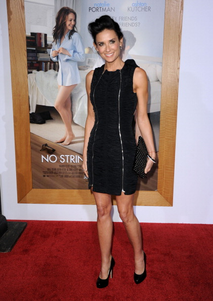 """Clutch Bag「Premiere Of Paramount Pictures' """"No Strings Attached"""" - Arrivals」:写真・画像(0)[壁紙.com]"""
