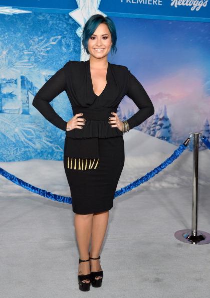 "El Capitan Theatre「Premiere Of Walt Disney Animation Studios' ""Frozen"" - Red Carpet」:写真・画像(15)[壁紙.com]"