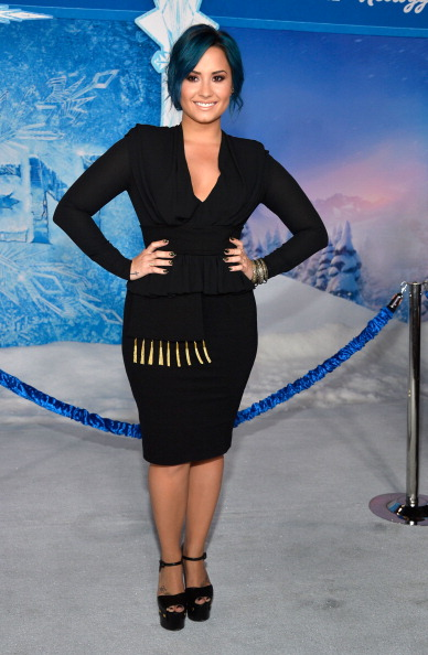 "El Capitan Theatre「Premiere Of Walt Disney Animation Studios' ""Frozen"" - Red Carpet」:写真・画像(17)[壁紙.com]"