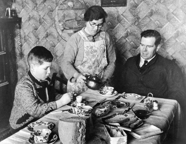 Teapot「Jewish Refugee」:写真・画像(18)[壁紙.com]