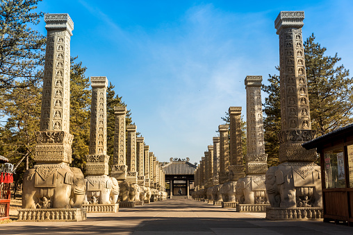 UNESCO「Elephant based pillars at Yungang Grottoes, ancient Chinese Buddhist temple grottoes near Datong」:スマホ壁紙(9)