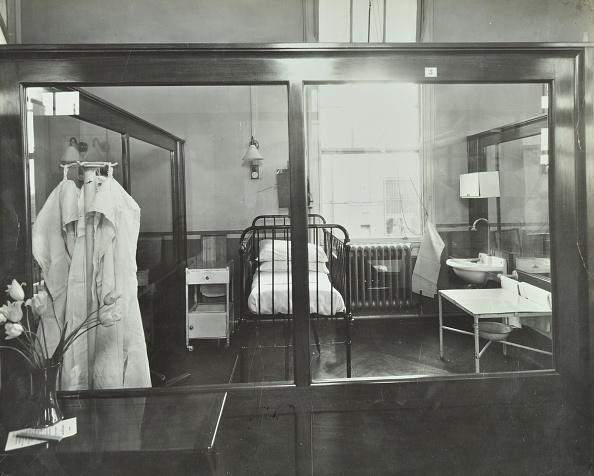 Remote Location「An Isolation Chamber, Brook General Hospital, London, 1935. .」:写真・画像(16)[壁紙.com]