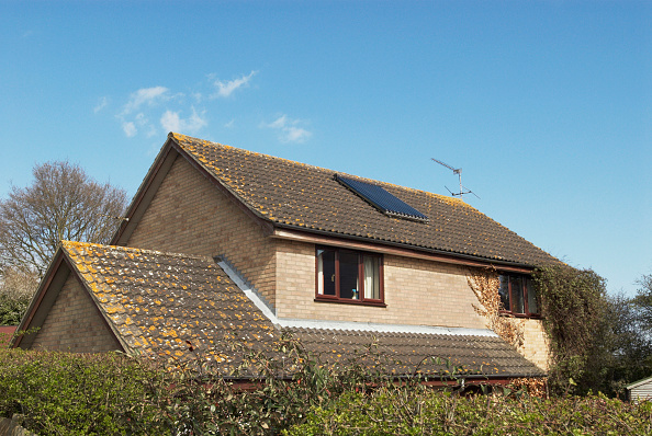 Environmental Conservation「Solar powered heating system on a detached house, Suffolk, UK」:写真・画像(8)[壁紙.com]
