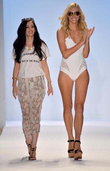 Raleigh - North Carolina「A.Che Swimwear/Aguaclara Swimwear/Aquarella Swimwear/Caitlin Kelly Swimwear At Mercedes-Benz Fashion Week Swim 2014- Runway」:写真・画像(18)[壁紙.com]