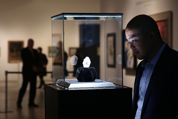 ダイヤモンド「Sotheby's To Auction Off Largest Diamond Discovered In 100 Years」:写真・画像(6)[壁紙.com]