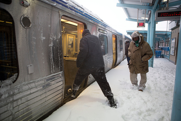2016 Winter Storm Jonas「Huge Snow Storm Slams Into Mid Atlantic States」:写真・画像(5)[壁紙.com]