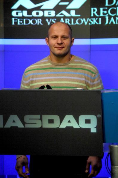 Fedor Emelianenko「Fedor Emelianenko And Tito Ortiz Ring The NASDAQ Opening Bell」:写真・画像(5)[壁紙.com]