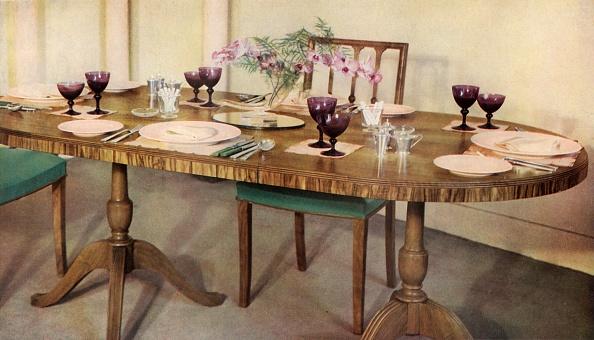 Place Setting「Dinner-Table Arranged By Harrods Ltd」:写真・画像(3)[壁紙.com]