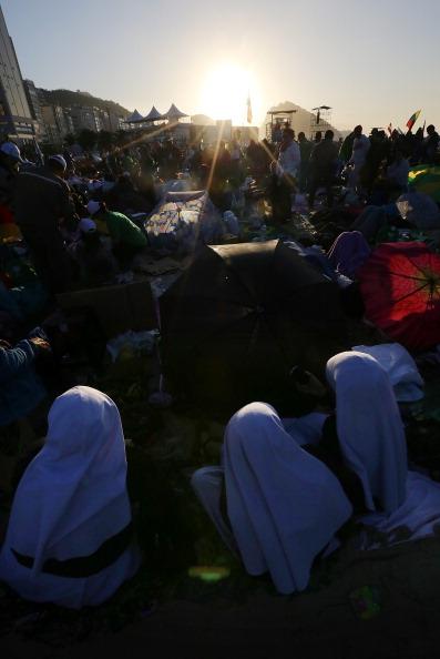 Mario Tama「Pope Francis Celebrates Mass On Copacabana Beach 」:写真・画像(16)[壁紙.com]