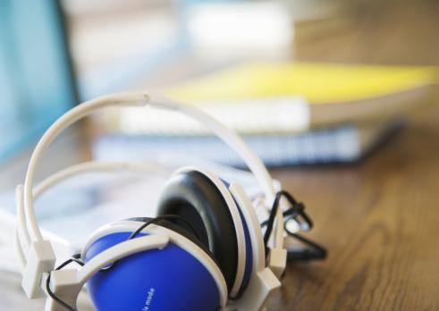 Headphone「A pair of headphones」:スマホ壁紙(19)