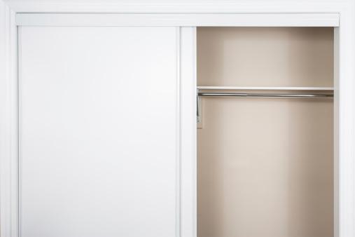 Storage Compartment「Empty shelves」:スマホ壁紙(6)