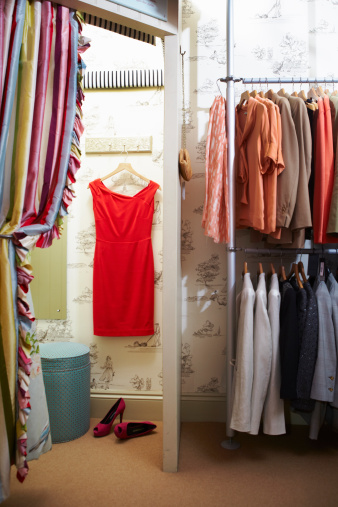 Clothes Rack「Boutique shopping, empty changing room」:スマホ壁紙(18)