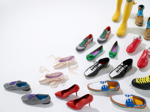 Girly「Various shoes facing one direction」:スマホ壁紙(12)