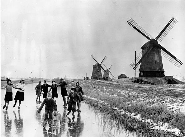 アムステルダム「Frozen Canal」:写真・画像(17)[壁紙.com]
