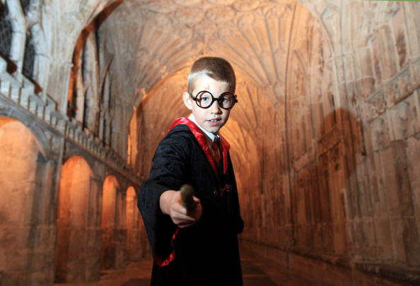 Place of Worship「Gloucester Cathedral Show Harry Potter Film On A Giant Screen」:写真・画像(3)[壁紙.com]