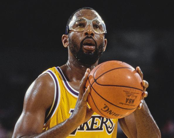 James Worthy「New York Knicks vs Los Angeles Lakers」:写真・画像(1)[壁紙.com]