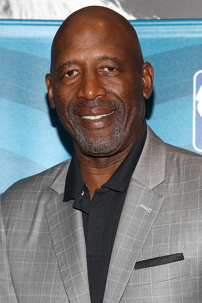 James Worthy「NBA Legend Jerry West Sits Down for SiriusXM Town Hall at the L.A. Forum, hosted by James Worthy」:写真・画像(17)[壁紙.com]