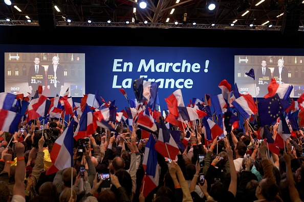 世界遺産「Presidential Candidate Emmanuel Macron Hosts A Meeting At Parc Des Expositions In Paris」:写真・画像(12)[壁紙.com]