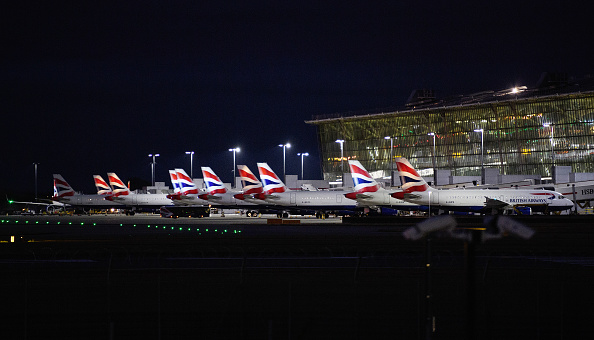 Heathrow Airport「Climate Activists Attempt To Disrupt Heathrow Flights With Drones」:写真・画像(3)[壁紙.com]