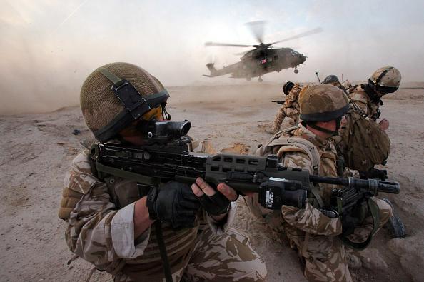 Iraq War 2003-2011「51 Squadron Mount Airborne Counter Insurgency Patrol」:写真・画像(10)[壁紙.com]