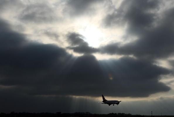 Airport Runway「Baggage Handlers Face Job Losses At Manchester Airport」:写真・画像(13)[壁紙.com]