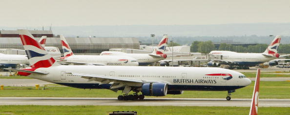 Heathrow Airport「Planes Grounded Acrosss UK After Air Traffic Control Computer Failure」:写真・画像(0)[壁紙.com]
