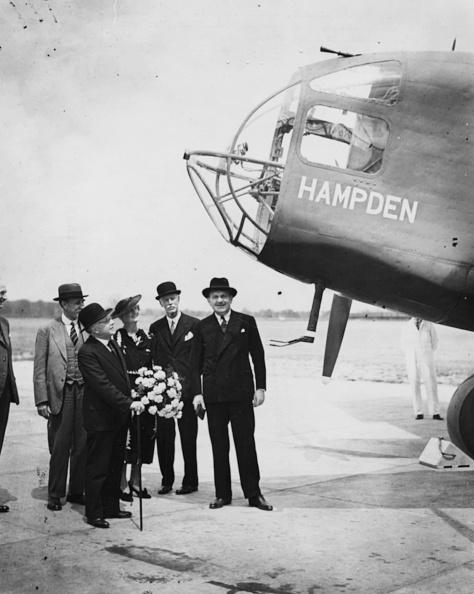 Airfield「Sir Kingsley Wood」:写真・画像(5)[壁紙.com]