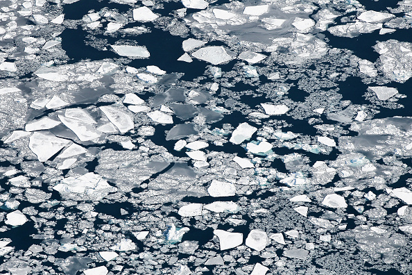 Great Lakes「As Brutally Cold Winter Drags On, 80 Percent Of Lake Michigan Frozen」:写真・画像(11)[壁紙.com]
