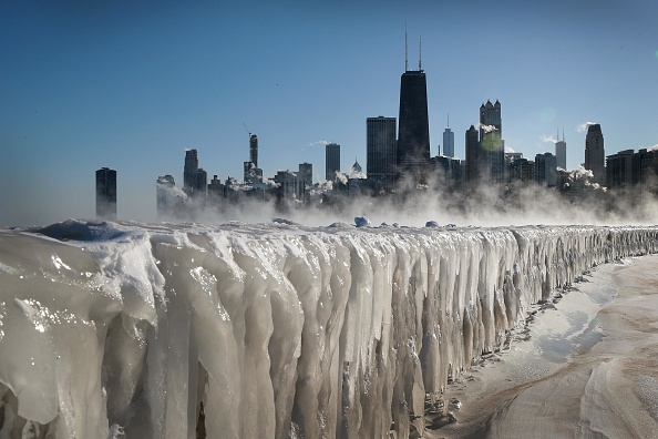 Chicago - Illinois「Polar Vortex Brings Extreme Cold Temperatures To Chicago」:写真・画像(1)[壁紙.com]