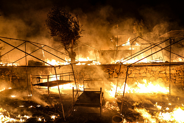 Displaced Persons Camp「Thousands of Migrants Displaced After Fire in Lesbos Camp」:写真・画像(19)[壁紙.com]