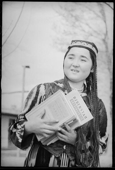 Uzbekistan「A Schoolgirl」:写真・画像(18)[壁紙.com]