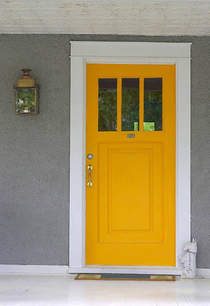 Yellow Front Door:スマホ壁紙(壁紙.com)