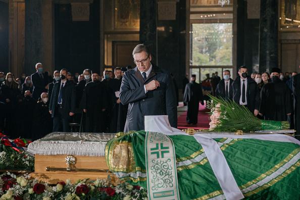 Vladimir Zivojinovic「Serbia Mourns Covid-19 Death Of Orthodox Church Patriarch」:写真・画像(15)[壁紙.com]