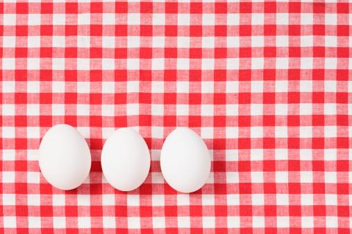 ギンガムチェック「Eggs on a tablecloth」:スマホ壁紙(12)