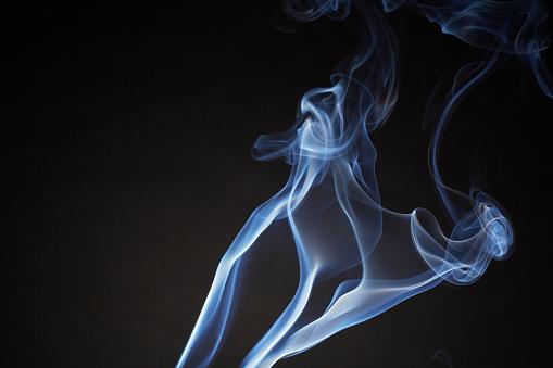 Growth「Smoke Flowing Upward」:スマホ壁紙(14)