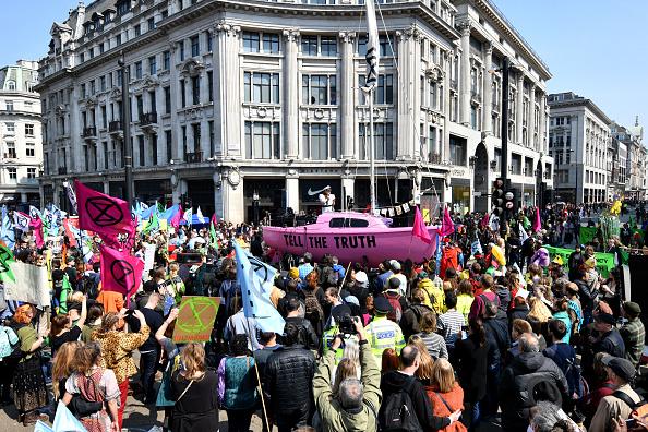 英国 ロンドン「Extinction Rebellion Climate Protests」:写真・画像(3)[壁紙.com]