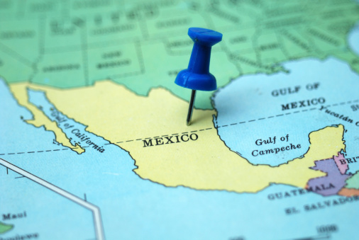 Central America「A pushpin marking Mexico as a travel destination on a map」:スマホ壁紙(3)