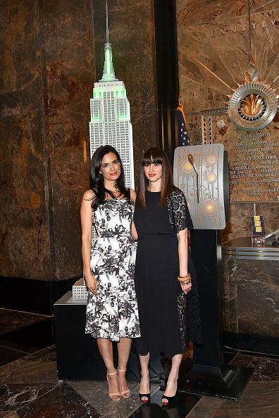 Empire State Building「Torrey Devitto Lights The Empire State Building Green In Honor Of Mental Health Month」:写真・画像(9)[壁紙.com]