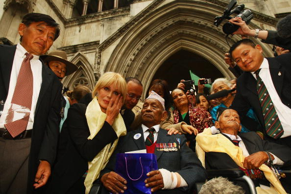 Support「Joanna Lumley Shows Support For Gurkhas Challenging Jacqui Smith」:写真・画像(15)[壁紙.com]