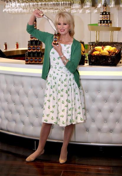 Condiment「Joanna Lumley Launches Sharwood's Range In Aid Of The Gurkha Welfare Trust」:写真・画像(8)[壁紙.com]