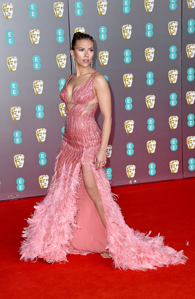 Thigh High Slit「EE British Academy Film Awards 2020 - Red Carpet Arrivals」:写真・画像(6)[壁紙.com]