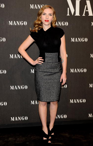 Pencil Dress「Scarlett Johansson Attends 'Mango New Collection Launch Party' in Madrid」:写真・画像(9)[壁紙.com]