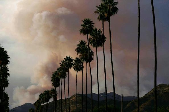 Azusa - California「Ranch 2 Fire Burns Near Los Angeles」:写真・画像(19)[壁紙.com]