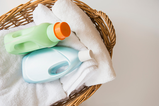 Laundry「Basket with laundry and detergents」:スマホ壁紙(13)